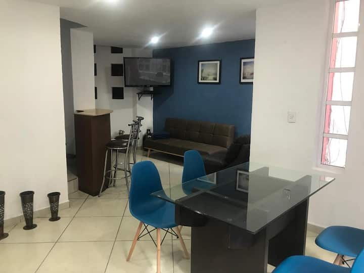 Blue Apartment (independiente)