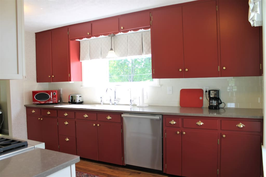 Bright and functional kitchen, well equipped for home chefs.
