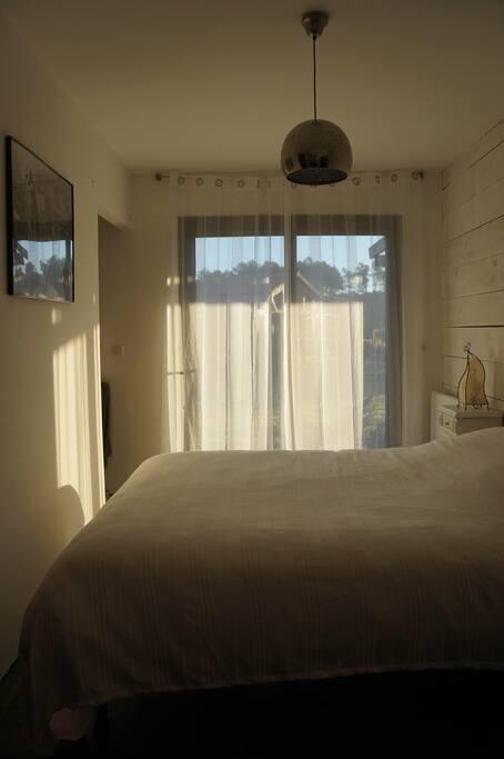suite parentale avec dressing et salle de bain 1 lit 160*200
