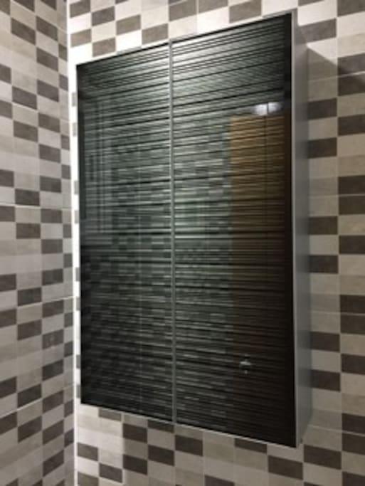 욕실 수건장