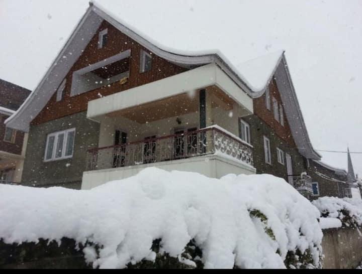 Cherry Villa, Srinagar