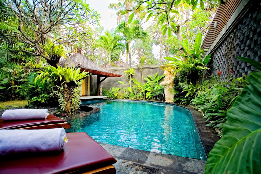 Enjoy a sunbath at your very private pool