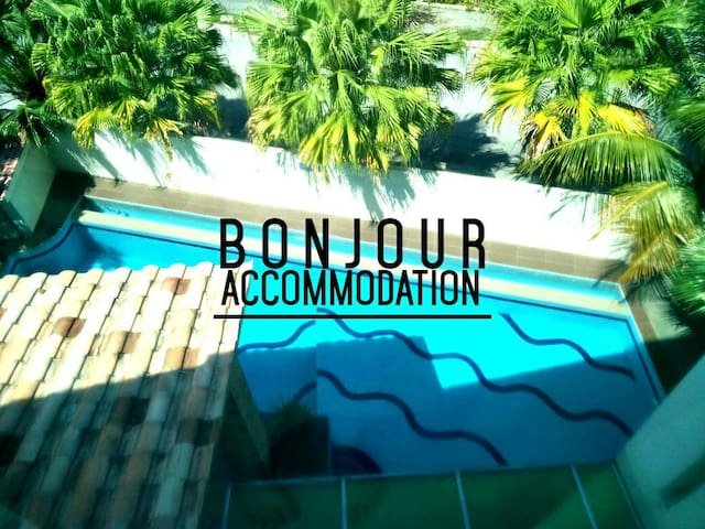 Bonjour Pool Vacation Homes - Tambun - Casa