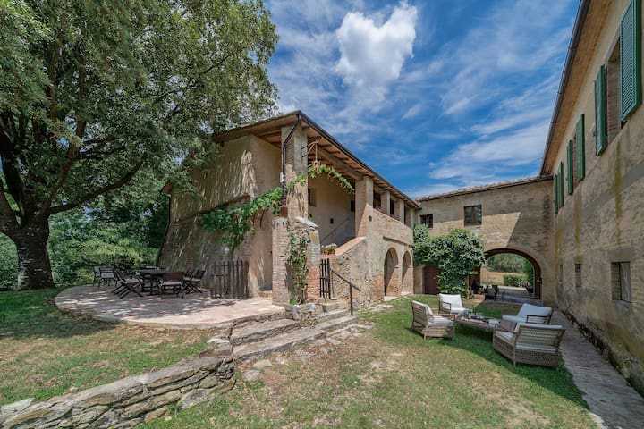La Fagianaia- Rustic Luxury in Tuscany