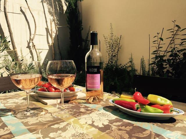 """""""Fanny"""" : superbe maison provençale, charme, patio"""