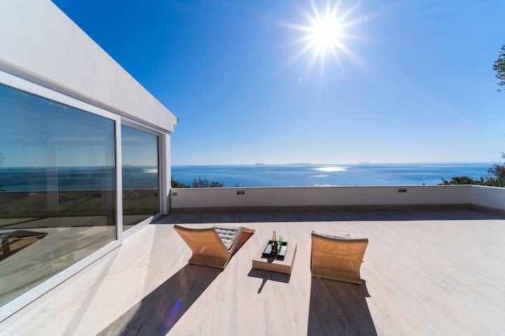 Villa bianca, Punta Rossa, San Felice Circeo.