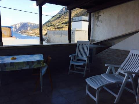 Camera con terrazza vista mare