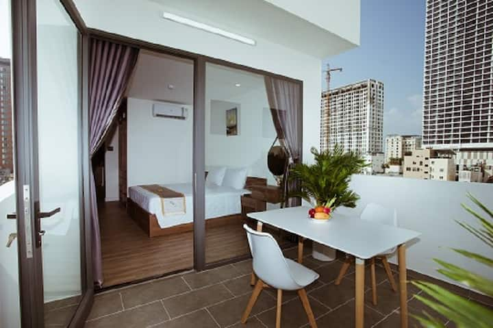 Lee Charming Nha Trang/ pen house room 71