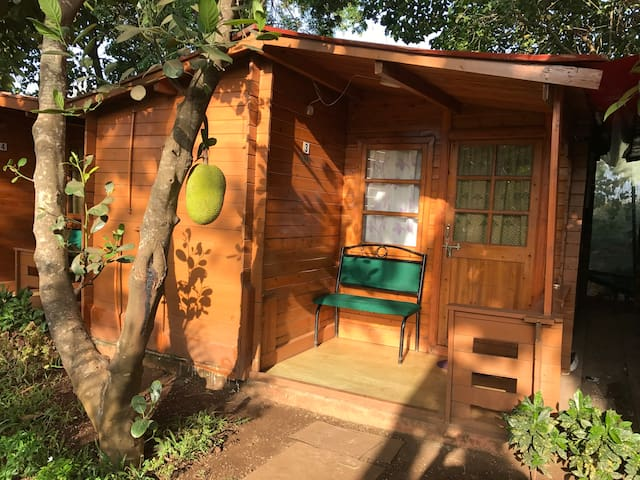 5. BAGA COTTAGE- 2 MINUTE WALK TO BAGA BEACH
