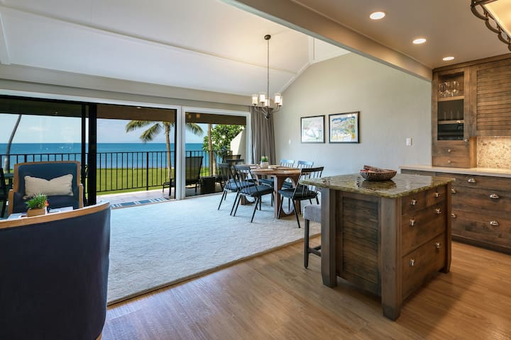 Gorgeous Oceanfront Condo: Maalaea Surf Resort C7