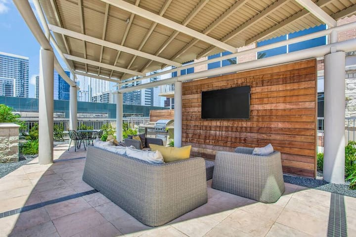 Outdoor Lounge area/BBQ grills and tons of seating