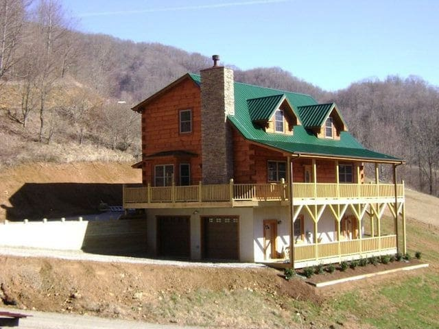 Beautiful Mountain Setting! Private Entrance/Porch