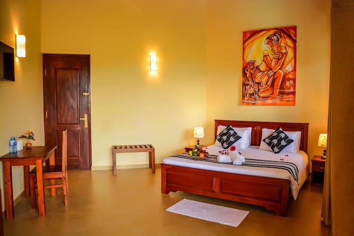 Deluxe Double Room with Balcony & Mountain View