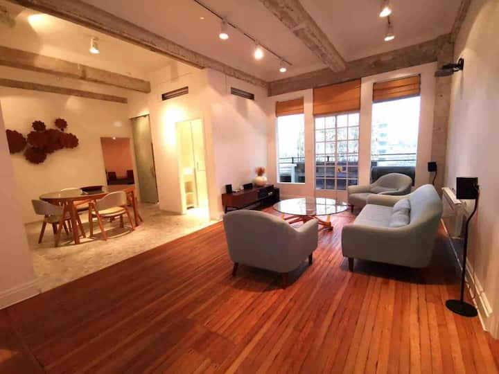 外滩源150平公寓《我的前半生》设计师设计,百年名楼焕新春