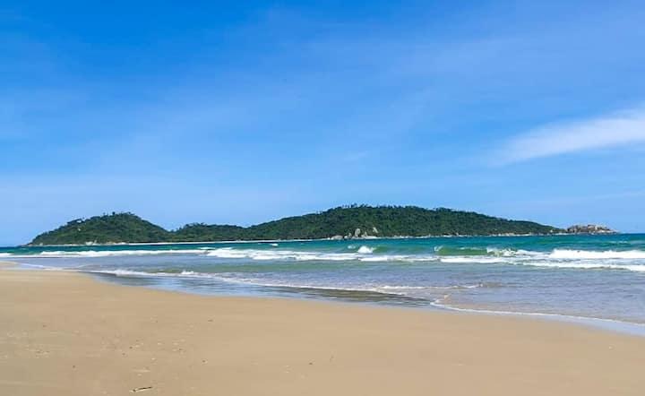 Quarto Individual a 10 min da Praia Campeche