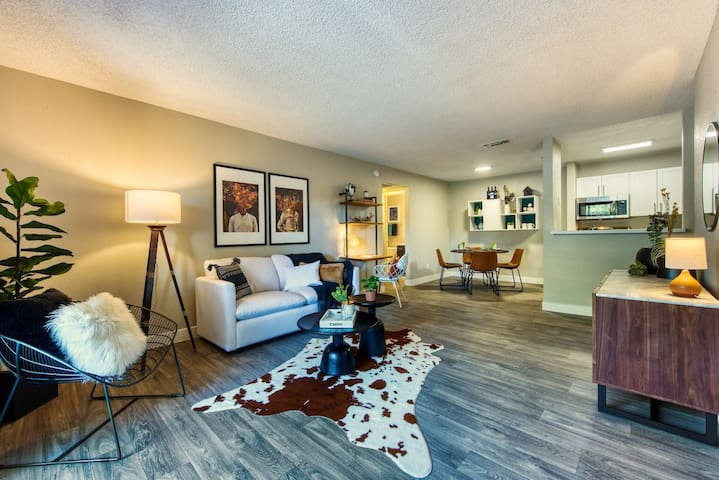 Live + Work + Stay + Easy   1BR in Tucson