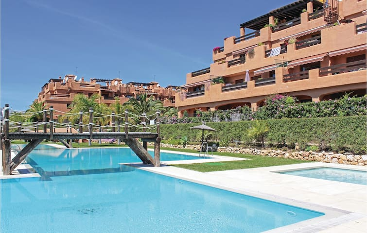 Holiday apartment with 2 bedrooms on 80m² in Estepona