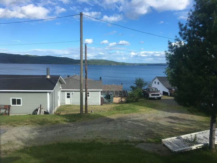 Cozy Oceanview Outport Home in Miles Cove, NL