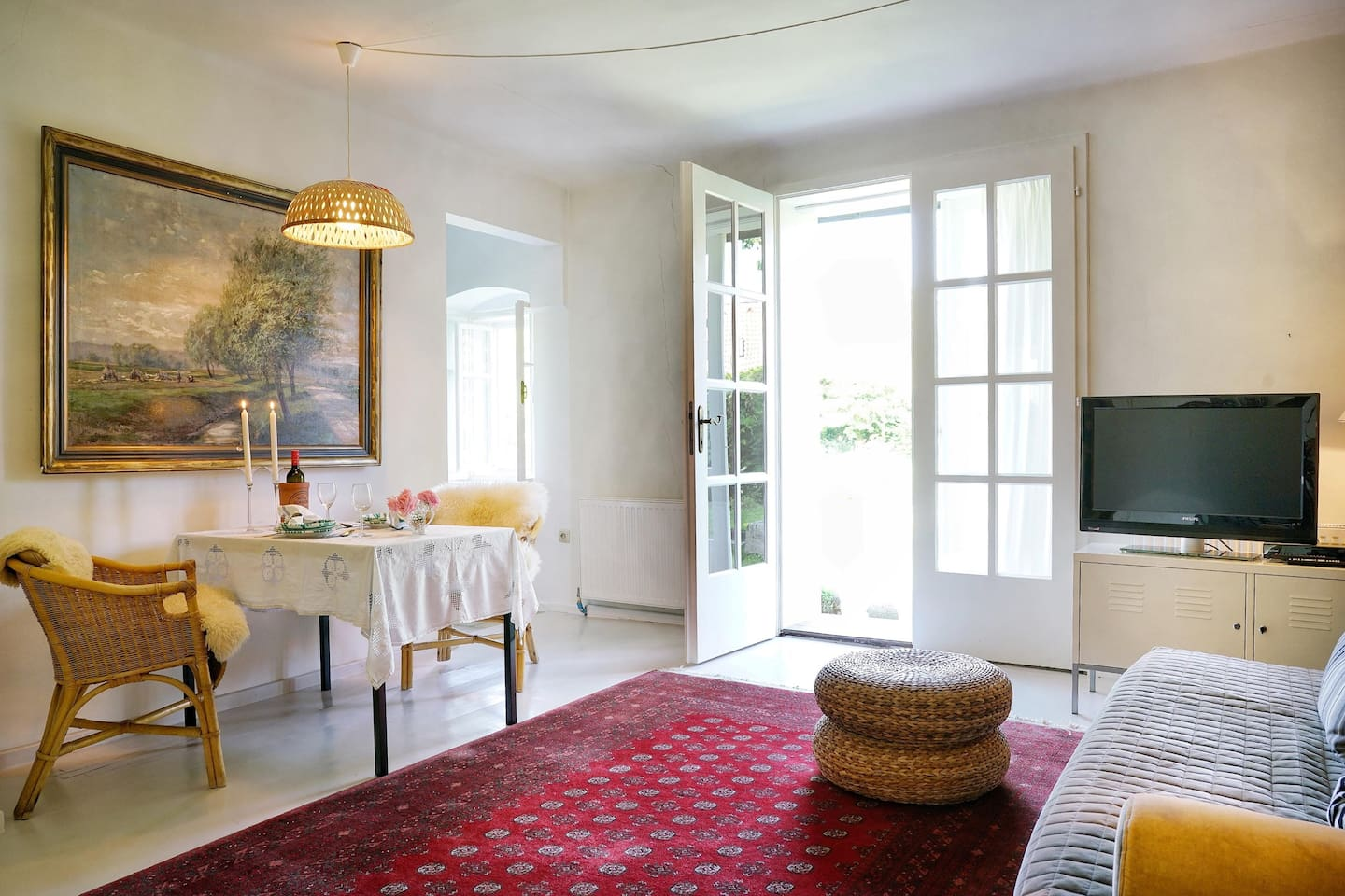 Living room with direct exit to the privat park