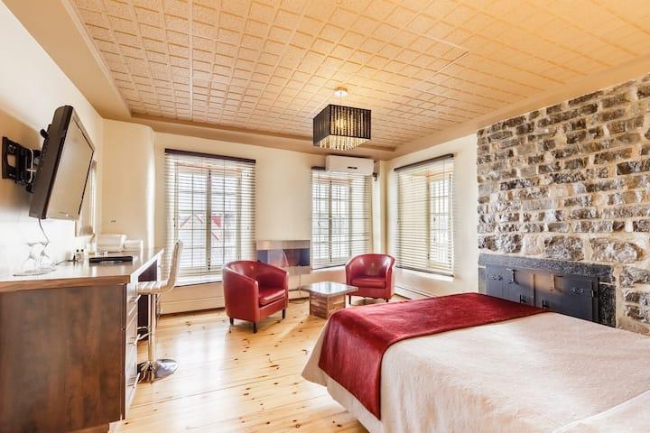 Jolie chambre Petit Champlain (4)