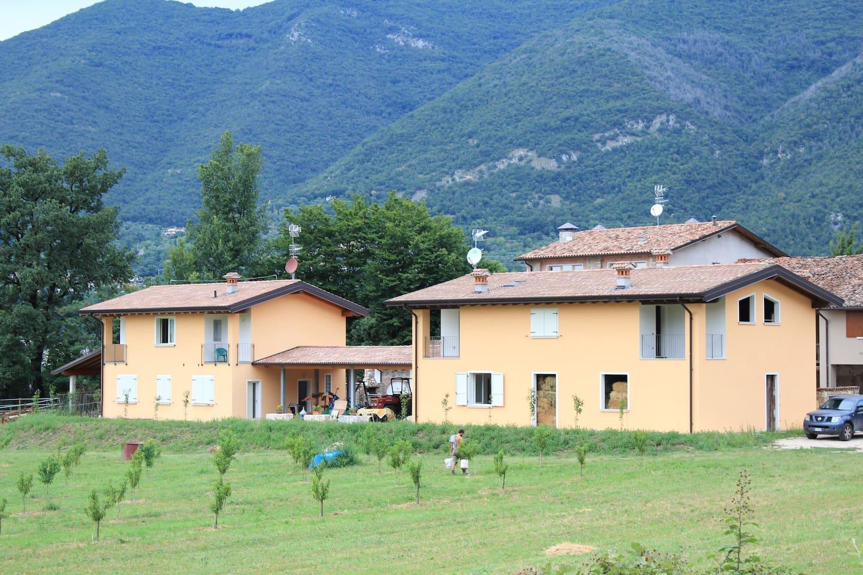 La casa vista dal frutteto