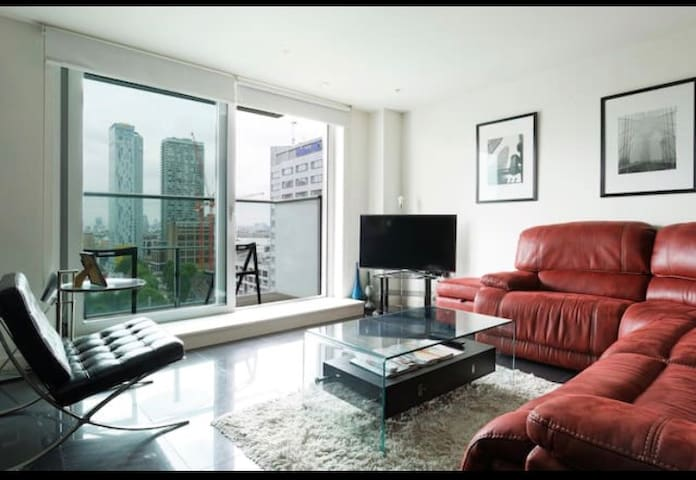 Amazing City View Apartment in the Heart of London