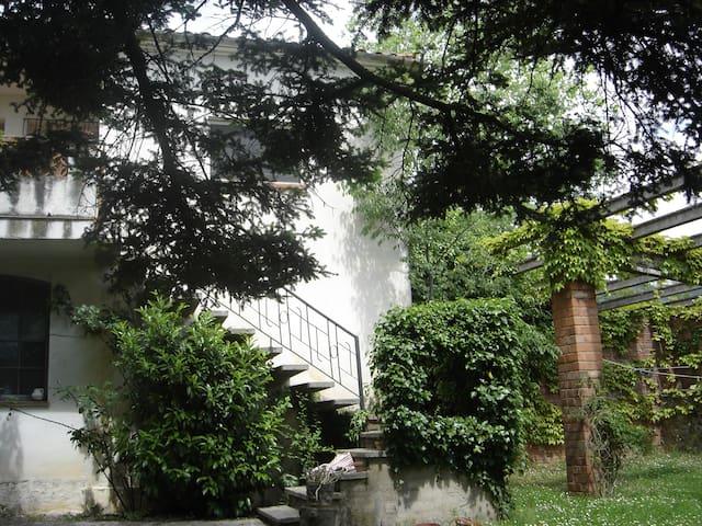 Caseta -apartament  entre la Garrotxa i l'Empordà