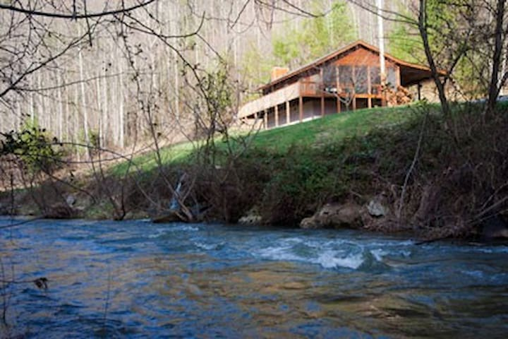 Creek View Cabin - Hot Springs - Stuga