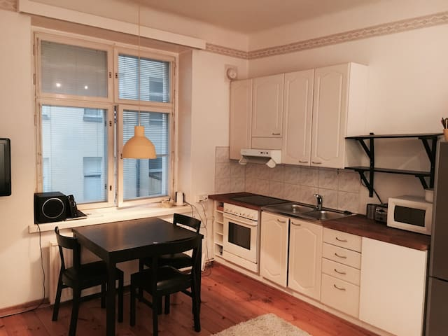 Nice 40m2 apartment in the hip area of Kallio