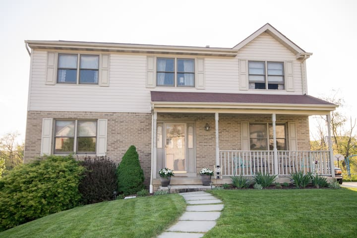 3BR Home Near Oakmont - Pittsburgh - Ev
