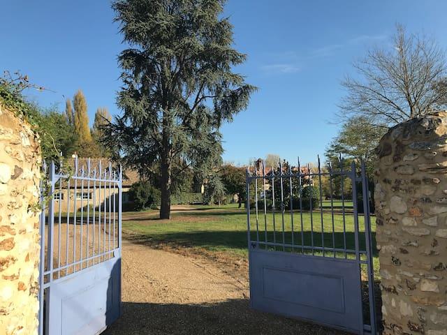 La Bergerie des Buissonnets & Tennis
