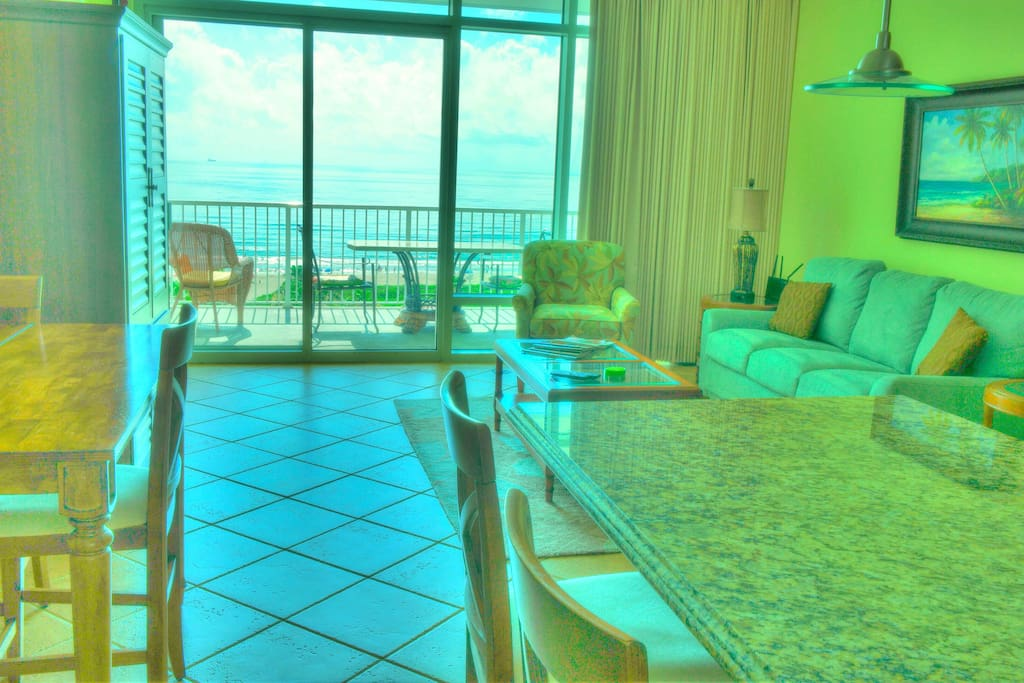 Living Room Ocean View with Sofabed