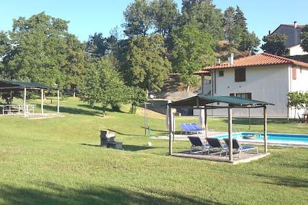 Farmhouse with swimmingpool - Vicchio - Apartemen