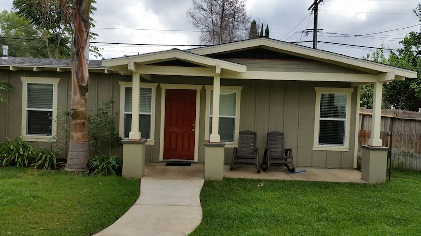 A CUTE HOME AWAY FROM HOME!! - Escondido - House