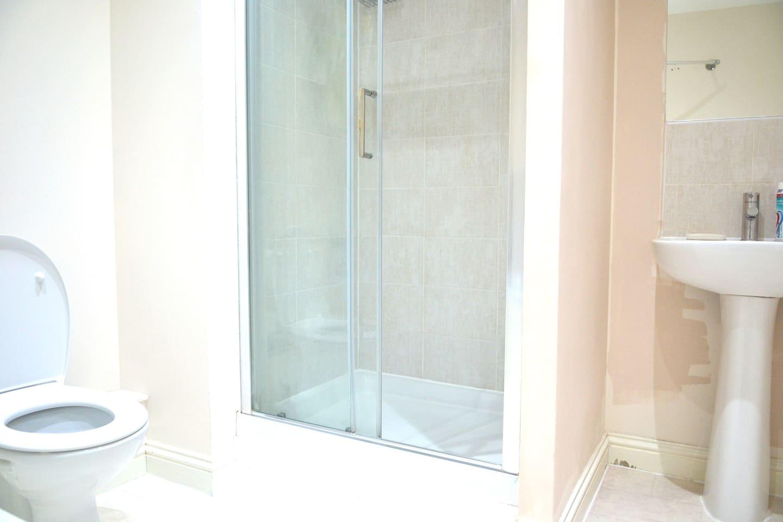 Walking shower