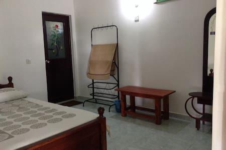 Standard Double Room - Rumah Tamu