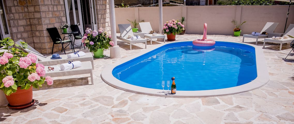 Villa Branka Apartment D1 with Pool near Dubrovnik