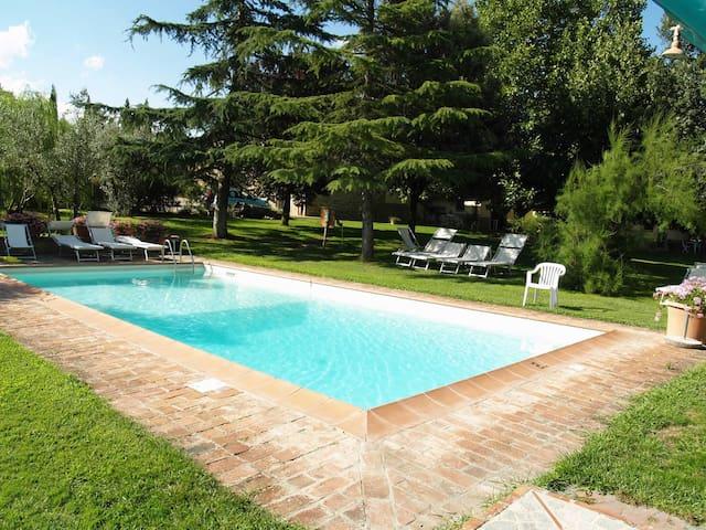 Tuscany private Villa with pool free parking wifi - Civitella in Val di Chiana