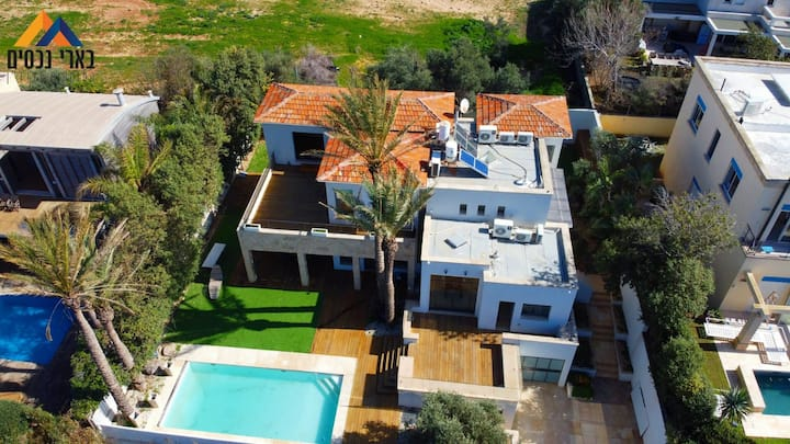 Arsuf-  Amazing villa near the sea