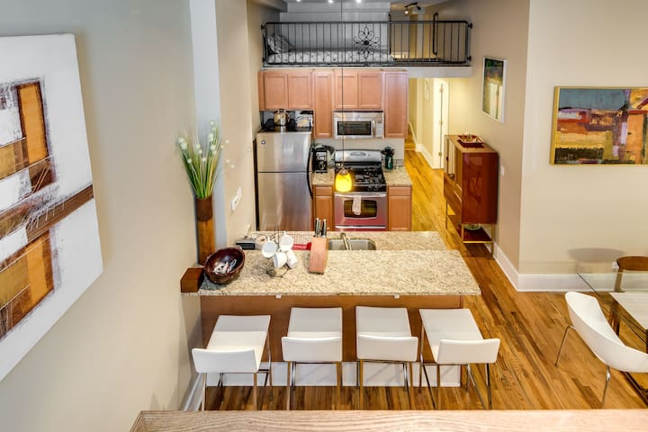 Lincoln Park Loft Too Apartments For Rent In Chicago Illinois United States