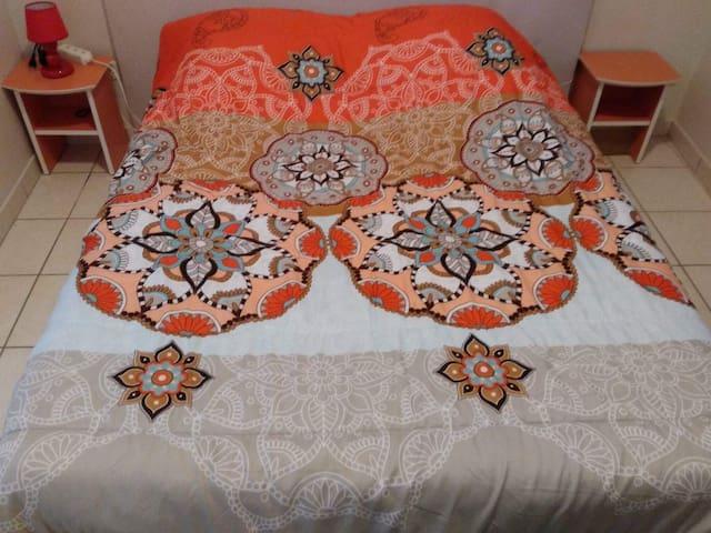 Belle chambre chaleureuse au coeur de Narbonne