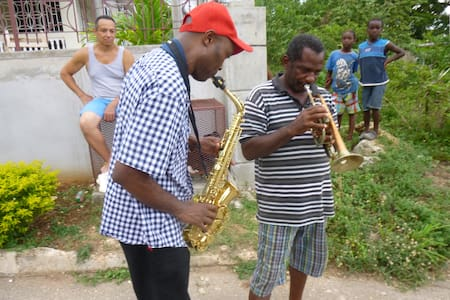 Jazzy Glen's Place : Dunn's River - Saint Ann's Bay