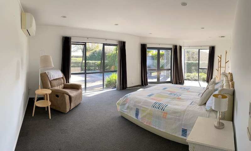 King size room at Unique Equestrian Lifestyle