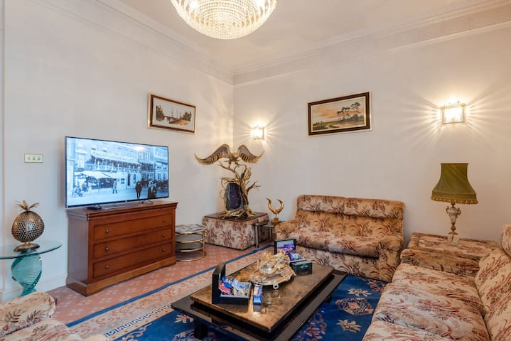 Spacious 3BR Apartment - Bayswater/Hyde Park