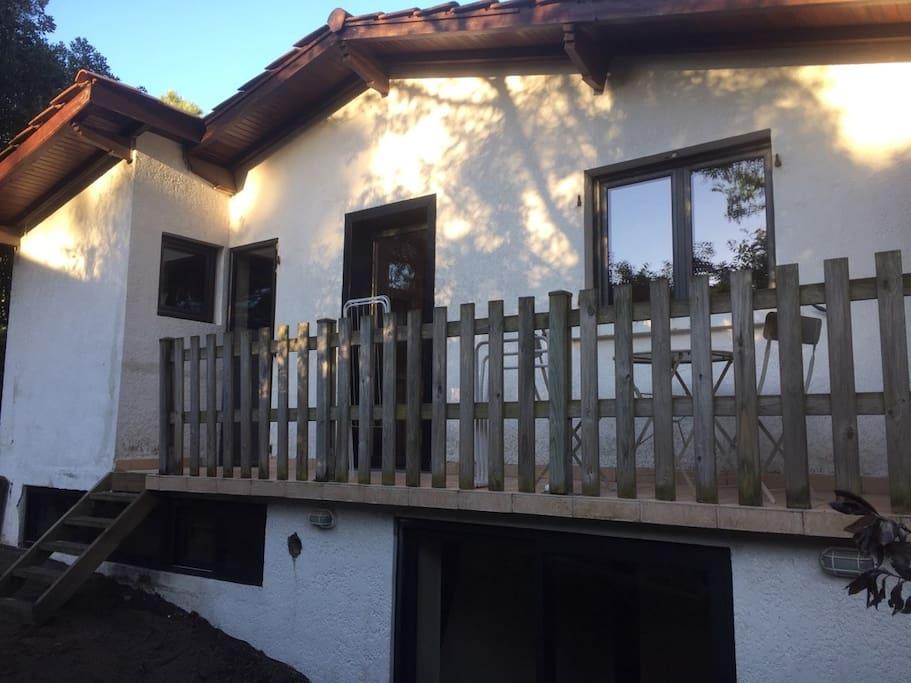 Balcon donnant sur le jardin