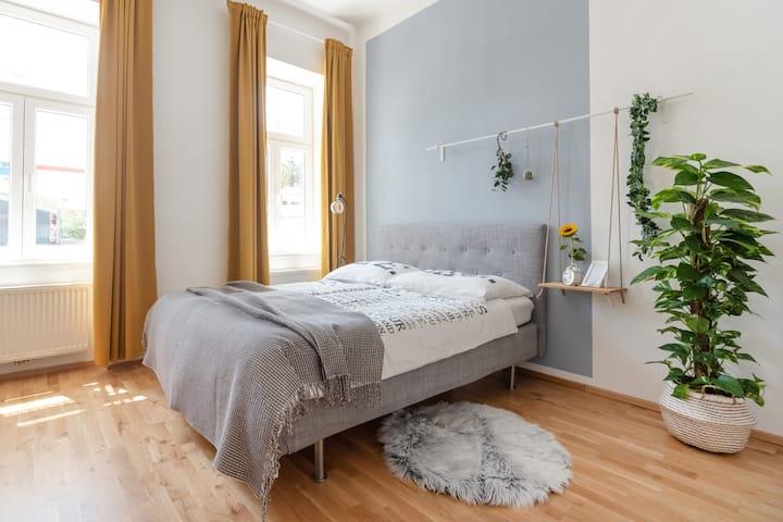 Tiny Apartment at U6 Thaliastraße