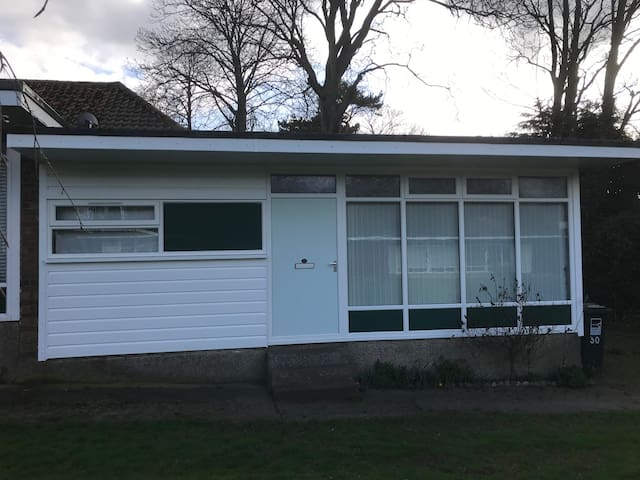 CHALET TO RENT IN CROMER ON KINGS CHALET PARK