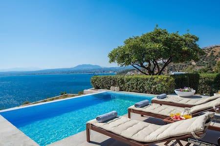 Breathtaking seaview villa with swimming pool