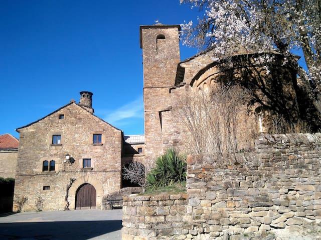 Casa-abadía de Banaguás