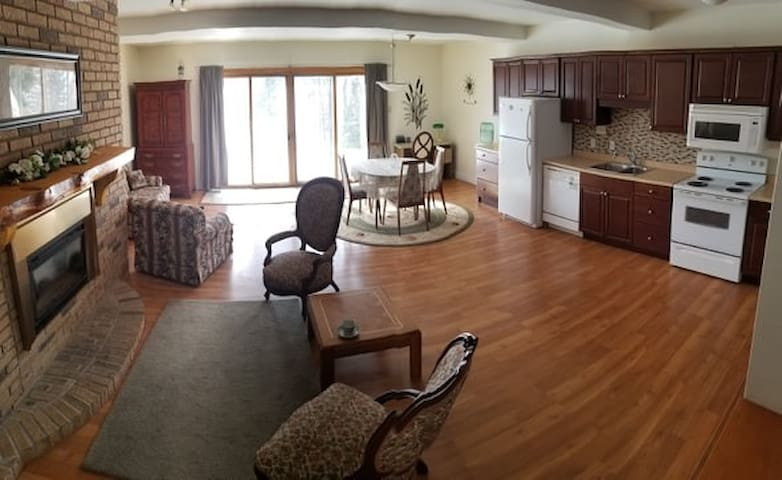 Kempenfelt Bay Apartment